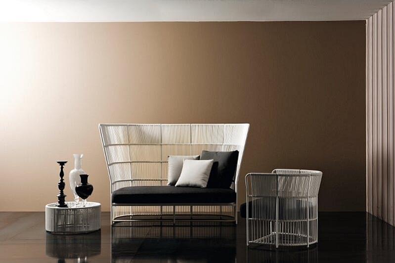 Плетёная мебель в интерьере гостиной