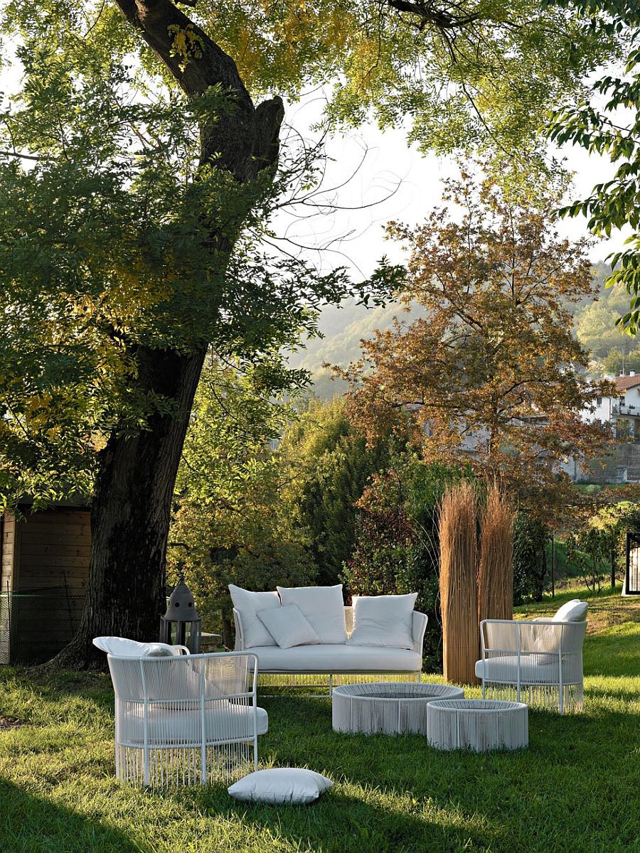 Мебель для сада в белом цвете