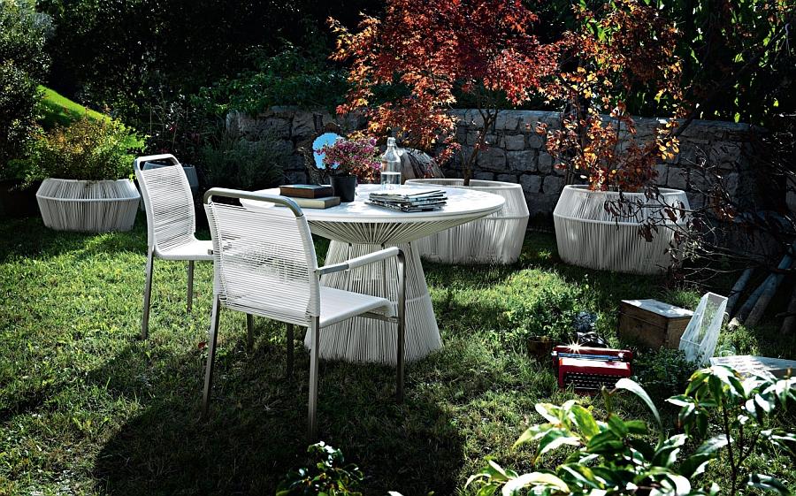 Белая плетёная мебель для сада
