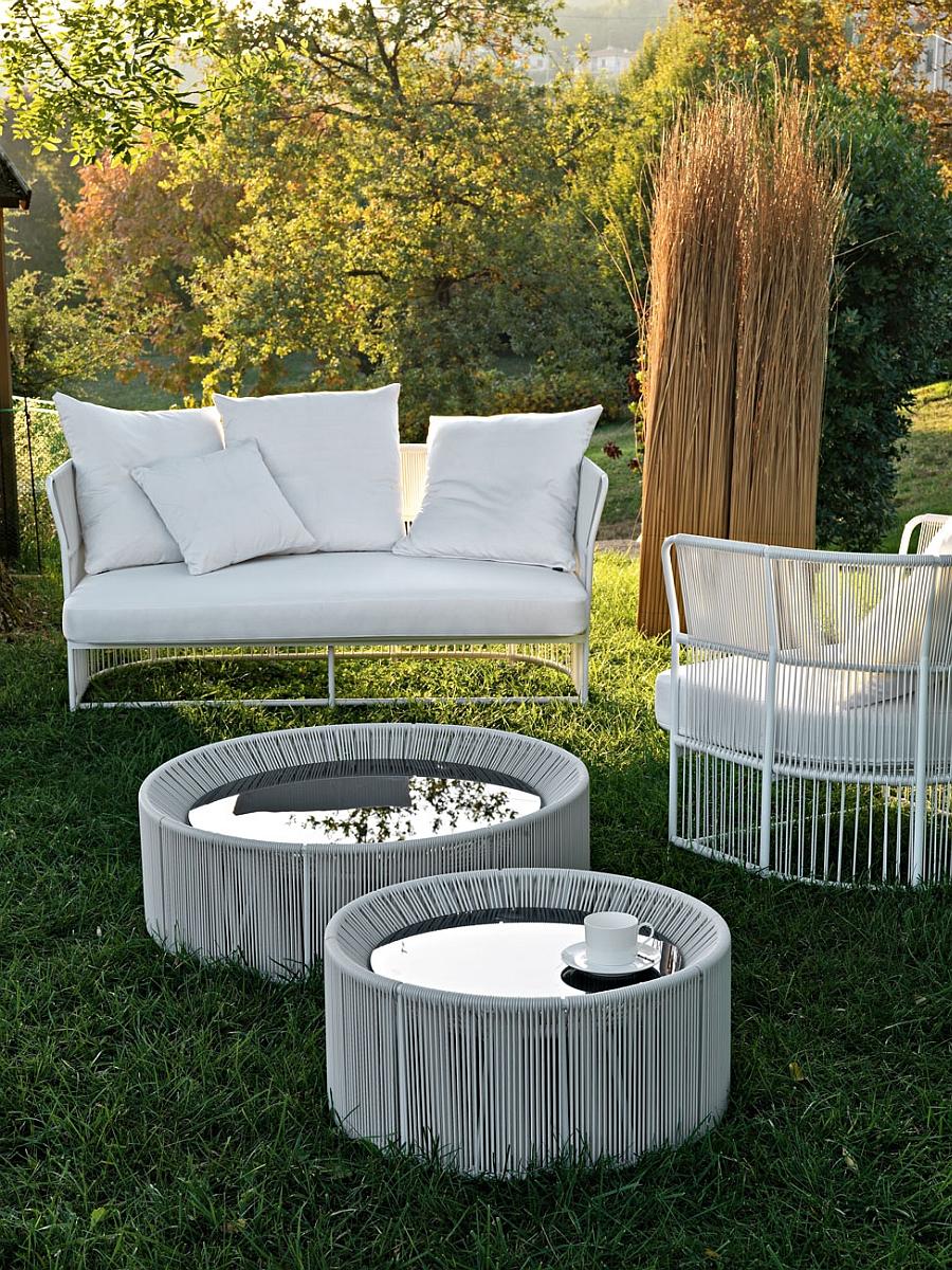 Современная плетёная мебель для сада