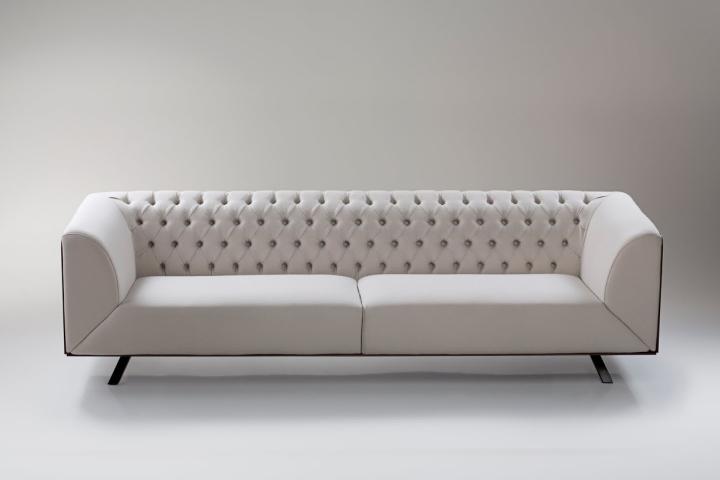 Белая кожа на диване
