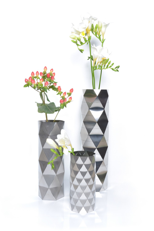 Стильная и модная ваза для цветов
