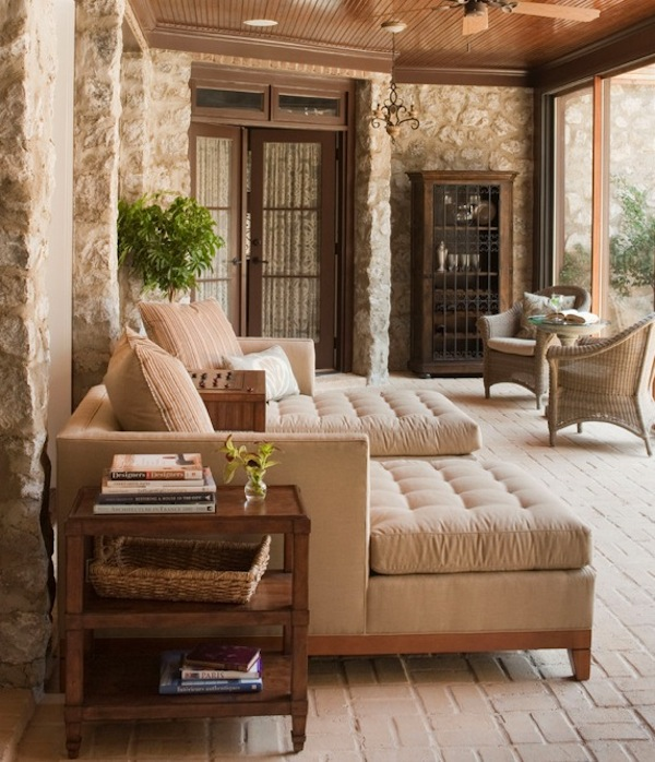 Красивая деревянная мебель для веранды