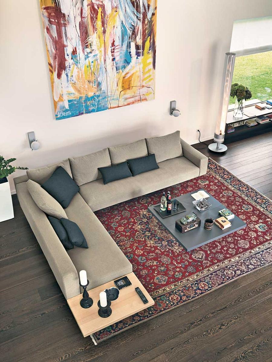 Угловой диван на невидимых стеклянных ножках