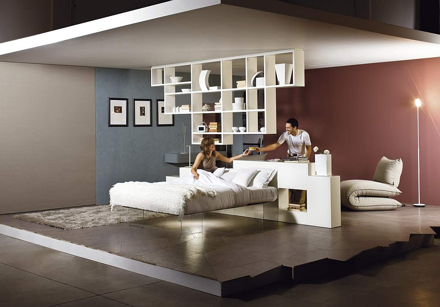 Необычная кровать на невидимых стеклянных ножках