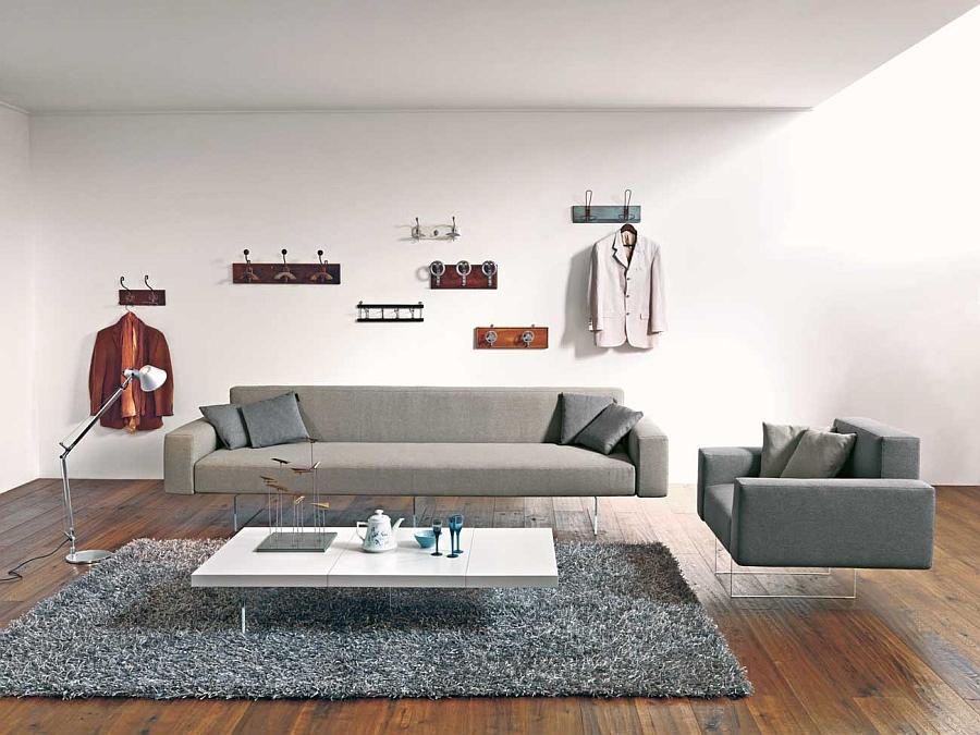 Превосходный диван и кресло на невидимых стеклянных ножках