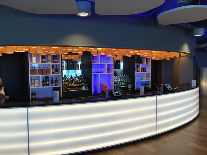 Потолочный светильник Carillon в интерьере бара