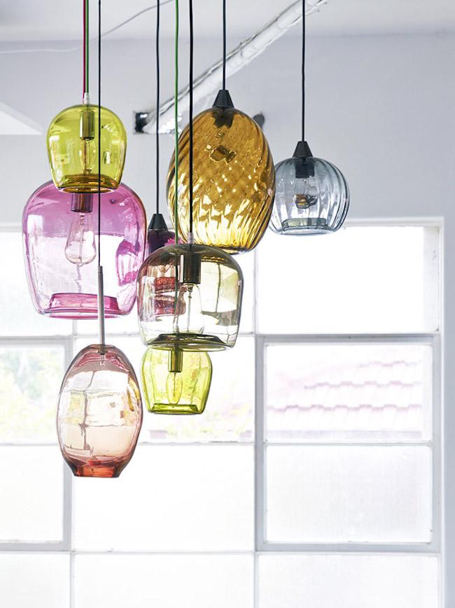 Разноцветные светильники из выдувного стекла