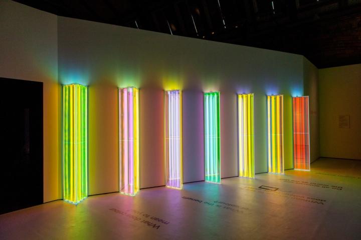 Световая инсталляция в английском музее