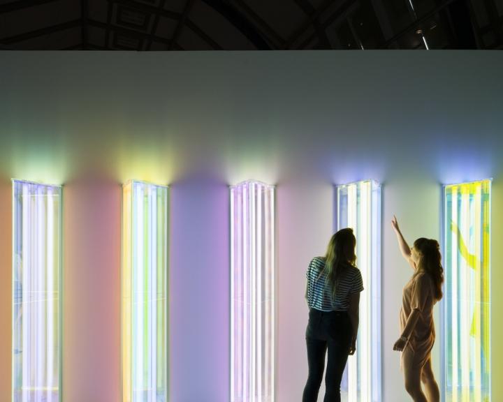 Световая инсталляция Spectral Vision