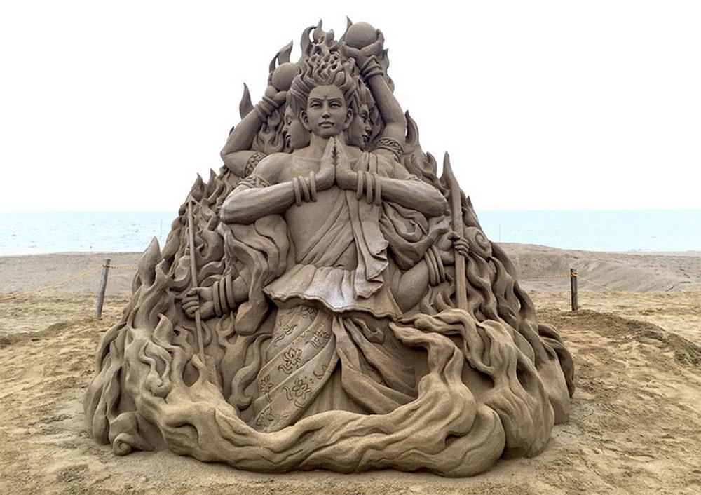 одной скульптура из песка фото словам глазатова, сразу
