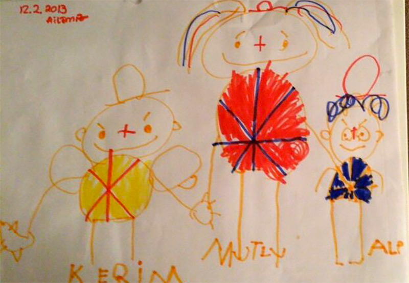 Студия Tasarım Takarım: детские рисунки в очаровательных ювелирных изделиях