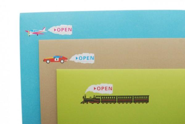 Необычный почтовый конверт с эффектом анимации