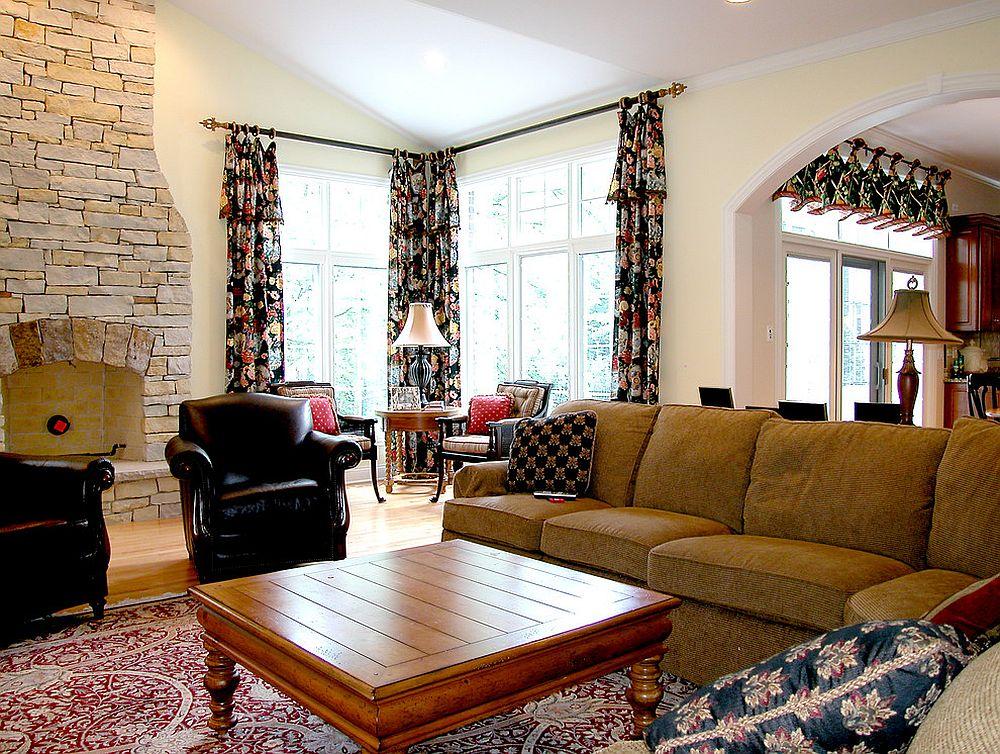 Тёмные шторы в интерьере дома - пёстрый дизайн гостиной