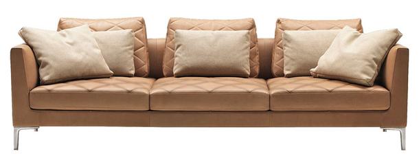 Комфортный песочный диван de Sede с подушками