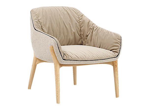 Мягкое уютное кресло песочного цвета Nido