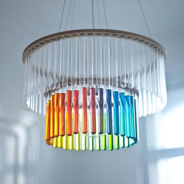 Уникальная люстра из пробирок от польского дизайнера пани Юрек