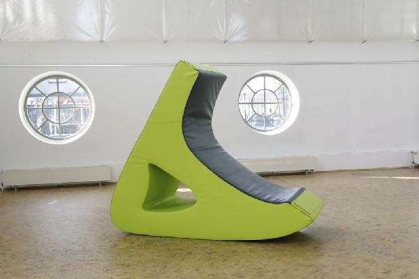 Дизайнерская мебель у окон