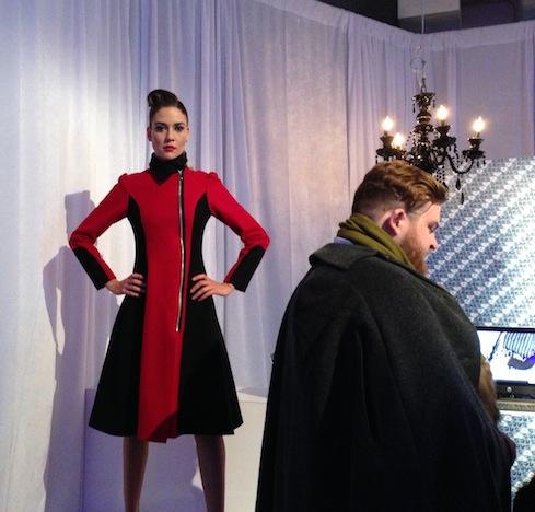 Участники на мероприятии моды – фото 3