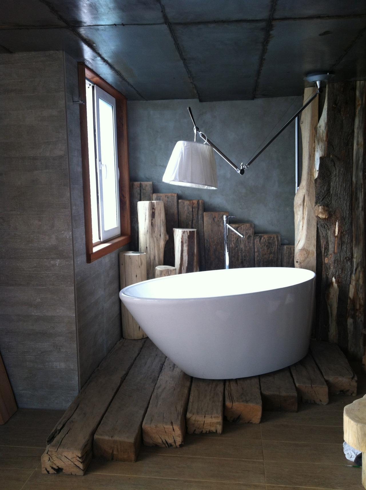 Banheiro Pequeno com Banheira: 25 Ideias pra Você! Blog Siote #476684 1280x1714 Banheira Alvenaria Banheiro Pequeno