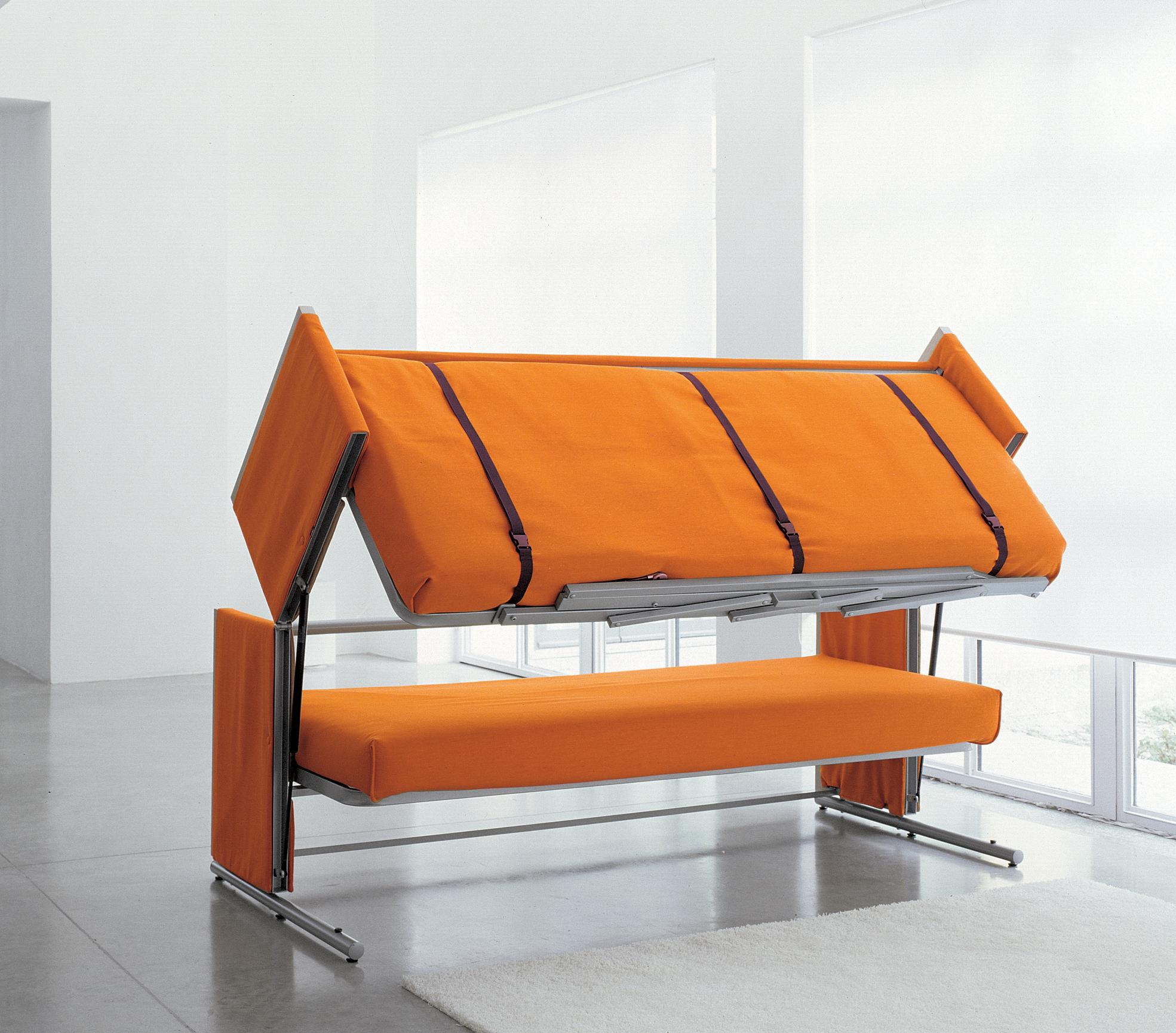 Замечательный трансформер: диван в кровать