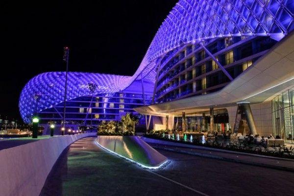 Умопомрачительная световая инсталляция от Asymptote Architecture