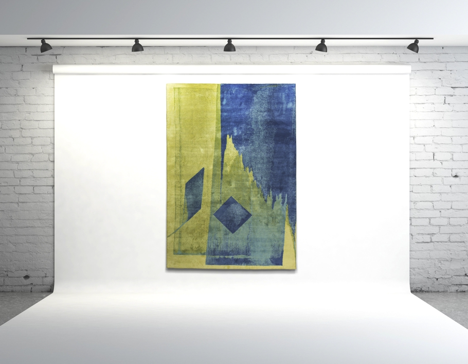 Палас от Esti Barnes в желто-синей символики