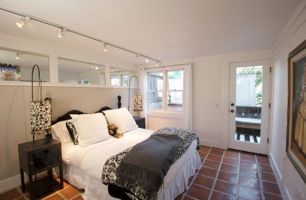 Современные подвесные лампы в интерьере помещения