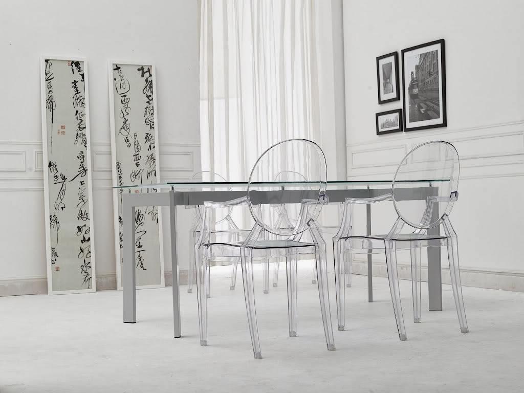 Чудесные прозрачные стулья в интерьере