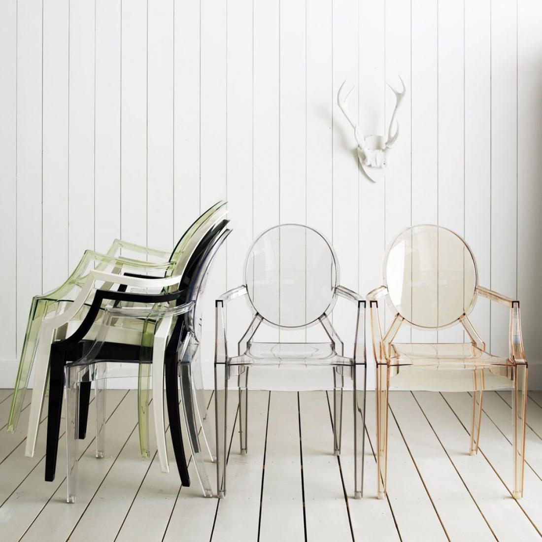 Бесподобные прозрачные стулья в интерьере
