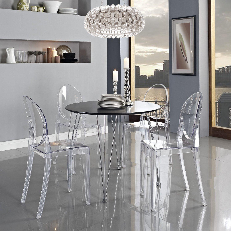 Прекрасные прозрачные стулья в интерьере