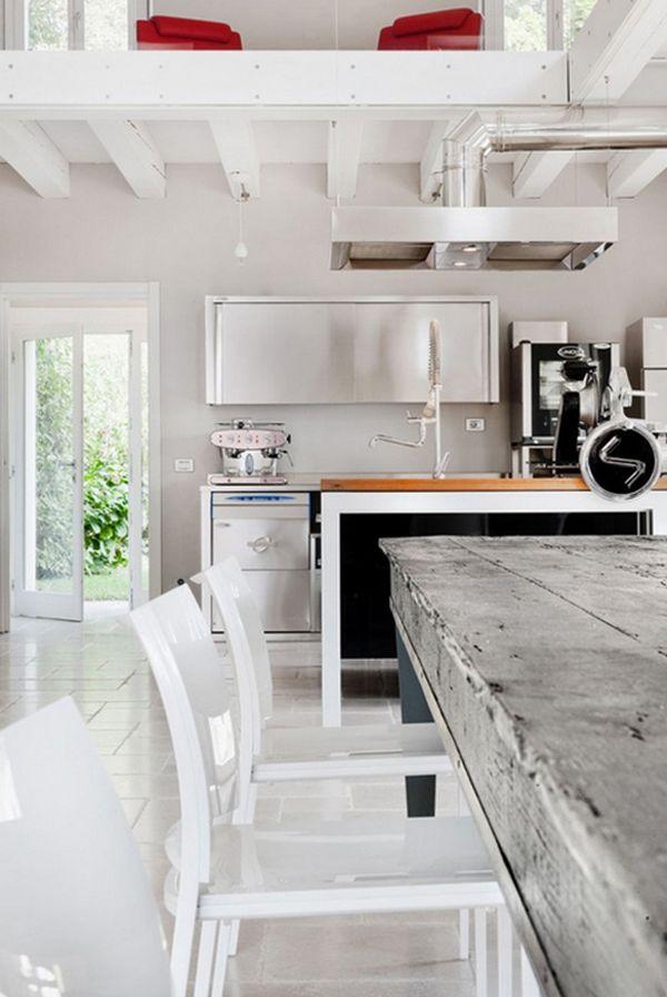 Интерьер кухни в светло-серых тонах