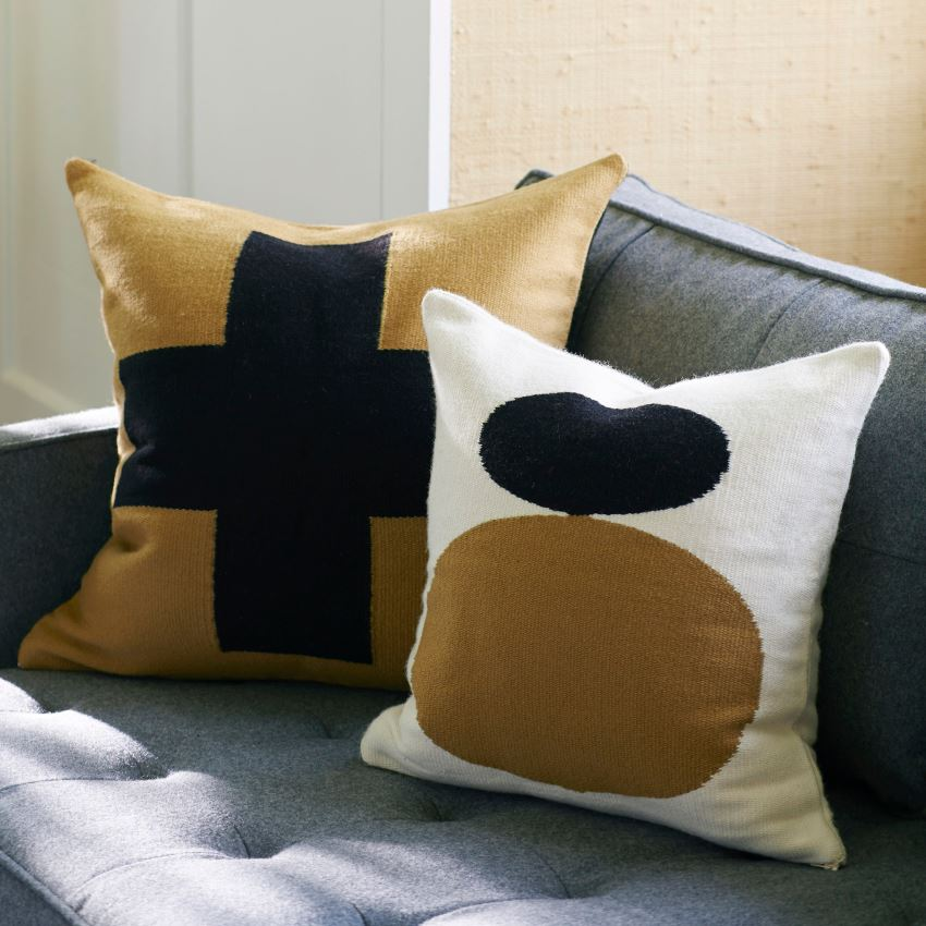 Дизайн подушек от Jonatham Adler