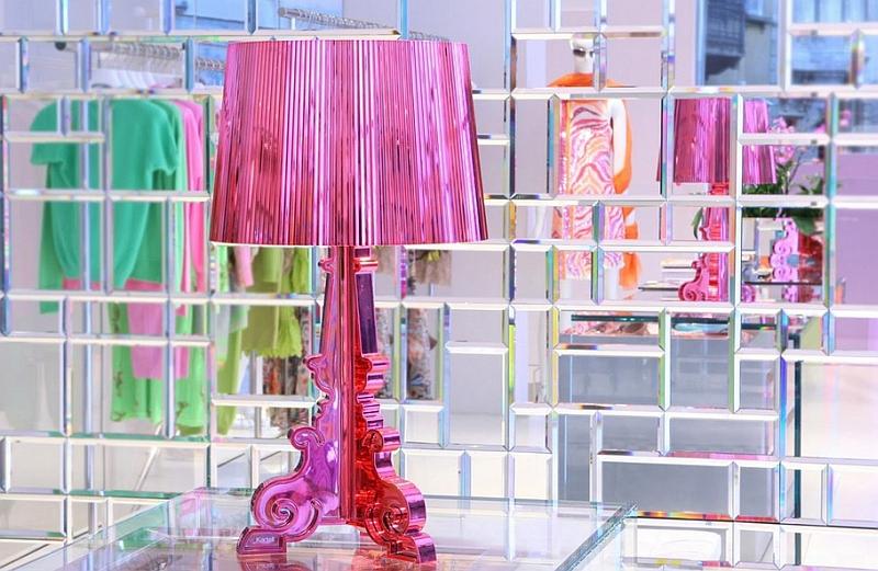 Розовая лампа в дизайне интерьера