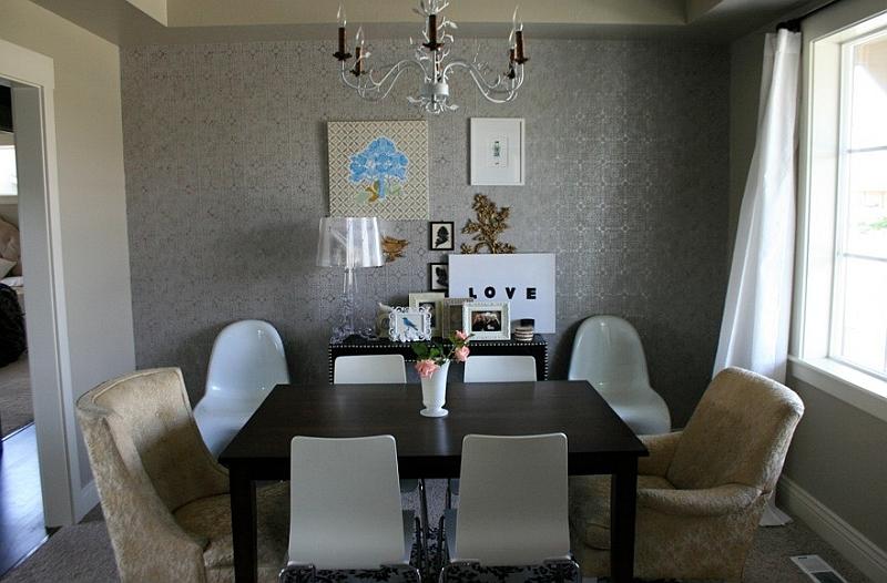 Белая лампа в дизайне интерьера