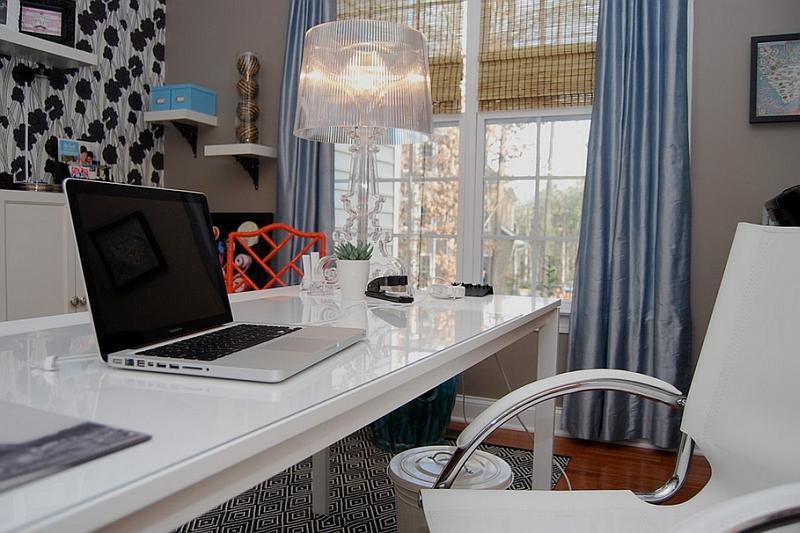 Уникальная настольная лампа в дизайне интерьера