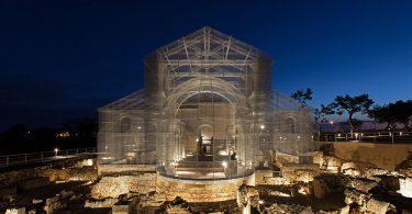 Эдоардо Тресольди: эфемерная модель здания средневековой церкви в Сипонто