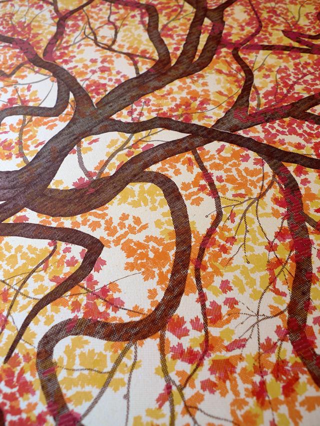 Цветное дерево на постере The Elk