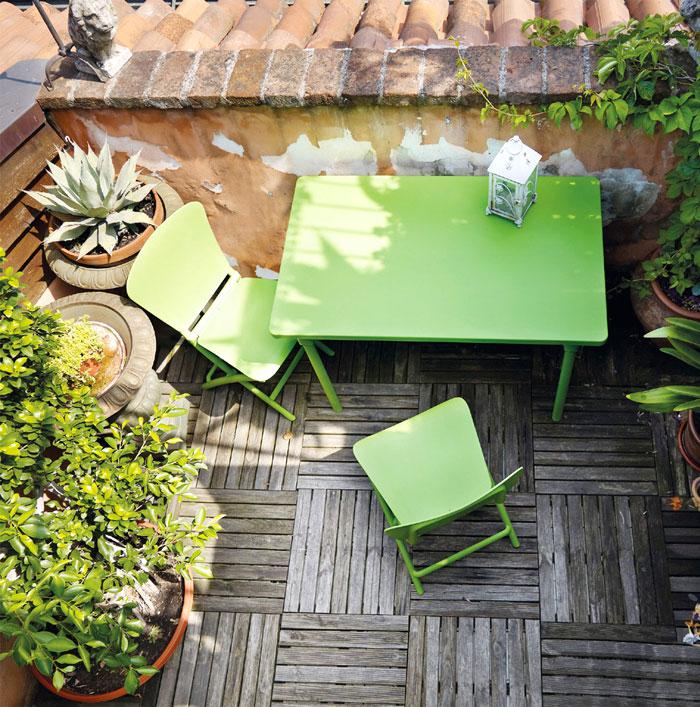 Уличная деревянная мебель для дачи: ярко-зелёный комплект