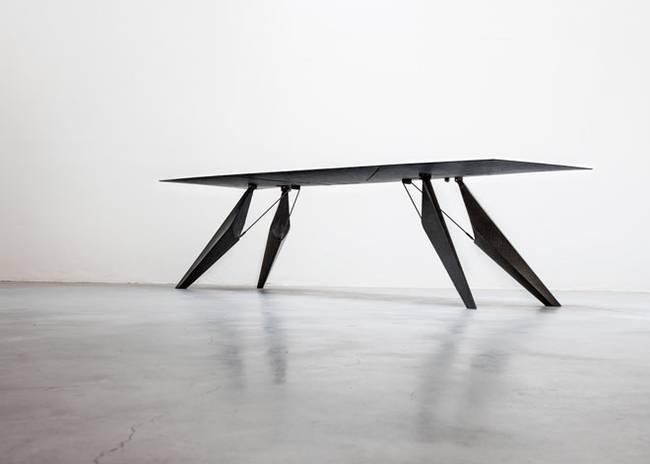 Умный стол в стиле минимализм