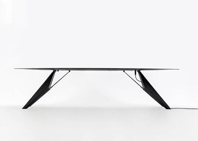 Умный стол от Kram/Weisshaar