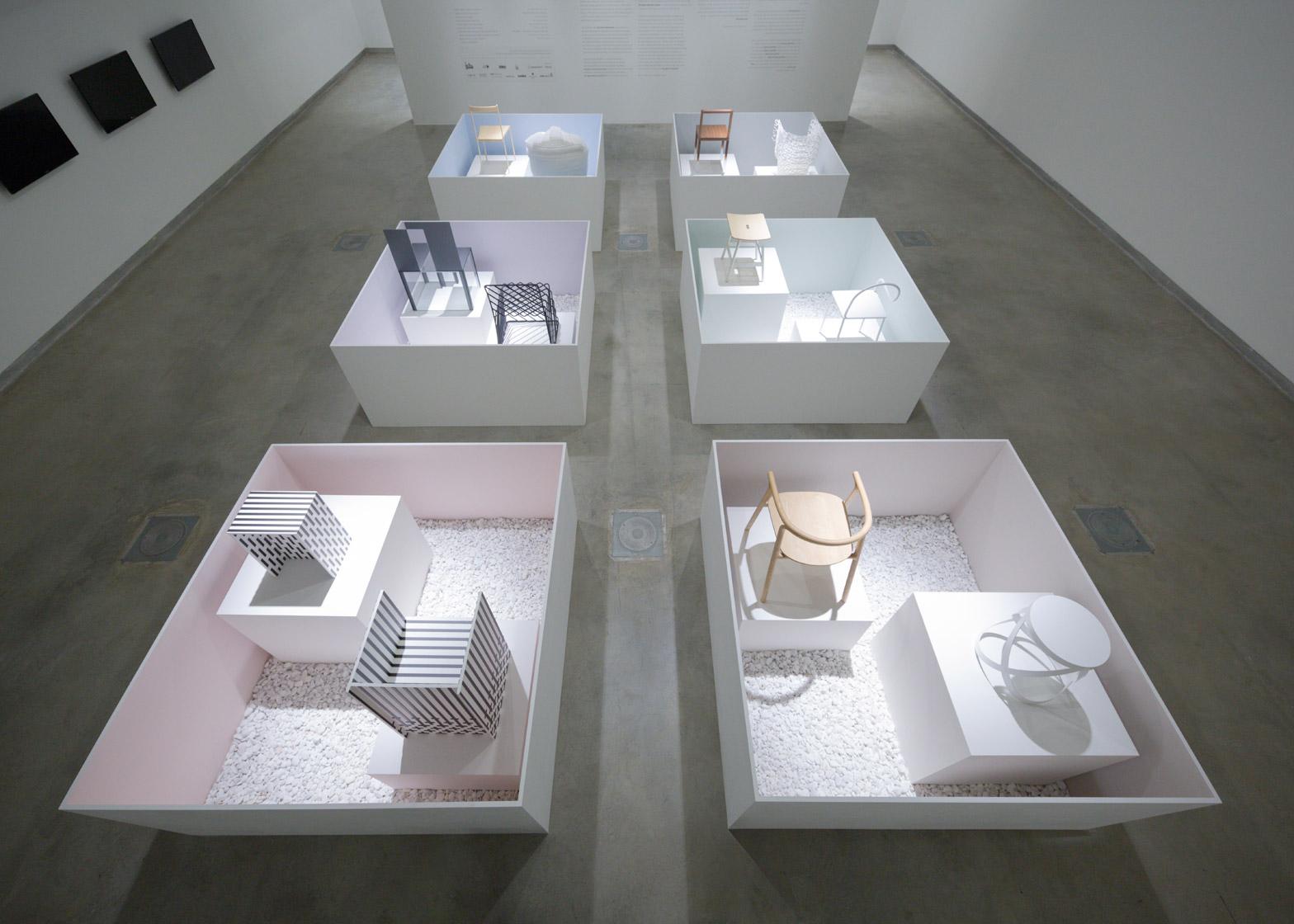 Уникальная выставка мебели от дизайнеров Oki Sato