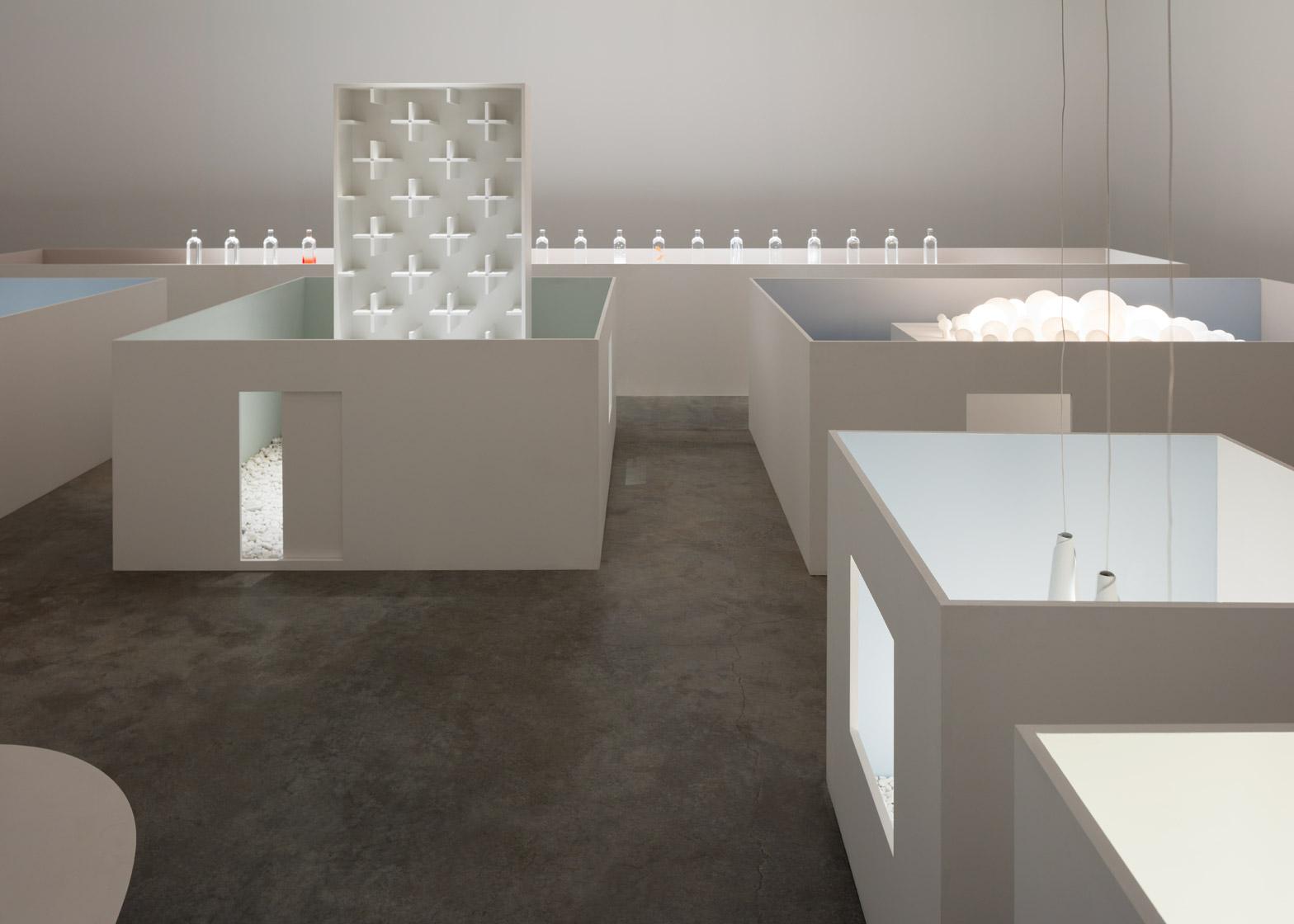 Уникальная выставка мебели в белом цвете - Фото 2