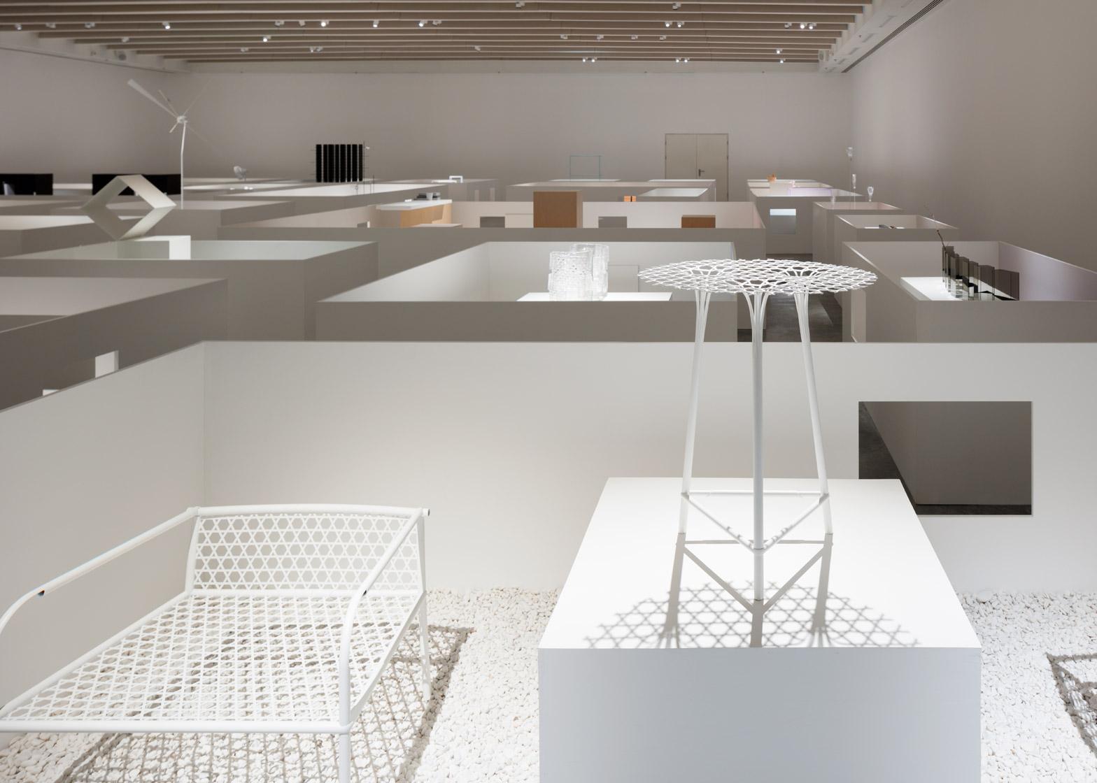 Уникальная выставка мебели в белом цвете - Фото 5