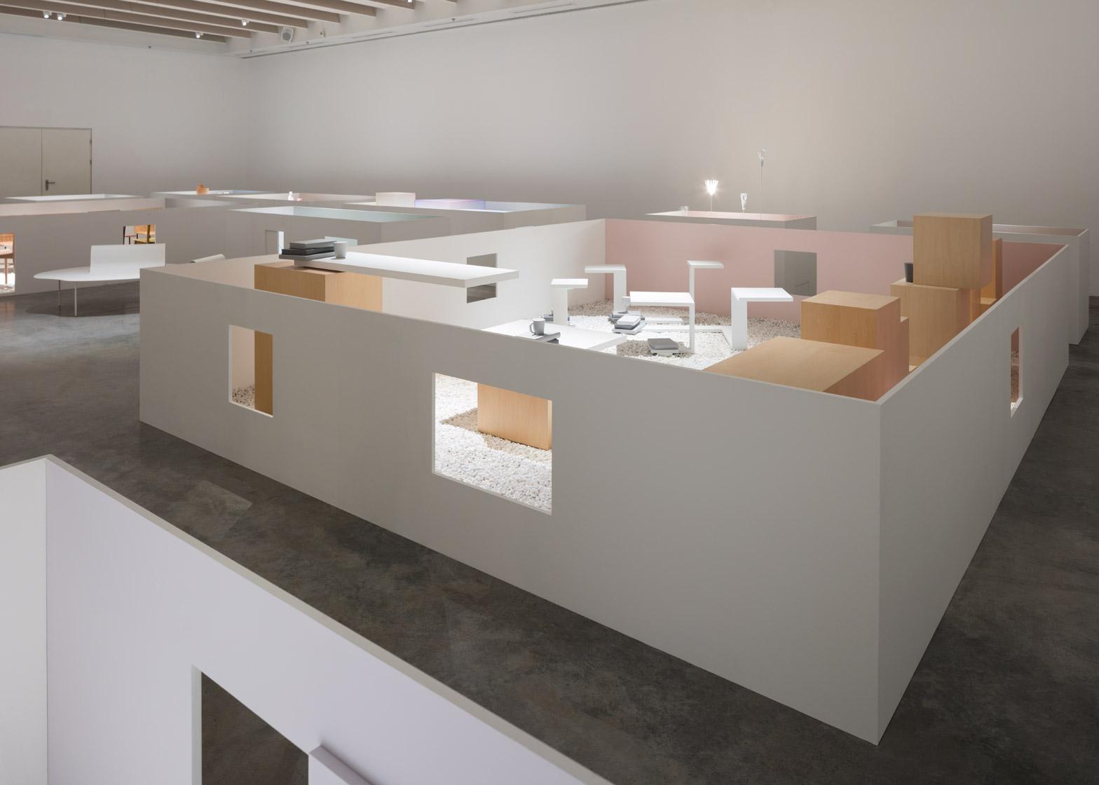 Уникальная выставка мебели в белом цвете - Фото 6