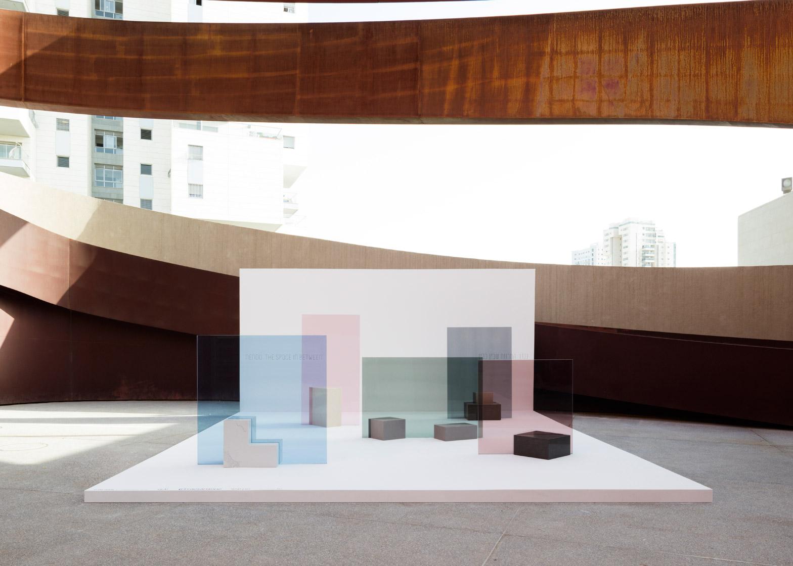 Уникальная выставка мебели в белом цвете - Фото 8