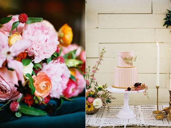 Подставка с тортом и цветы