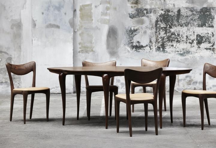 Стол и стулья из коллекции мебели Organic