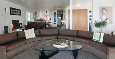 Удивительный столик из коллекции мебели от дизайнера Milo Baughman