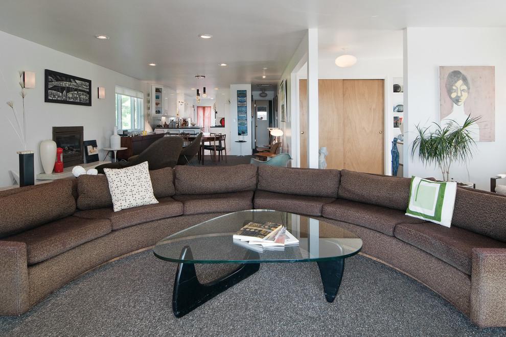 Мягкий уголок и журнальный стол из коллекции мебели от Milo Baughman